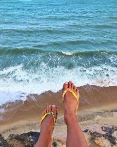 A Praia da Pipa é um um vilarejo calmo e tranquilo?